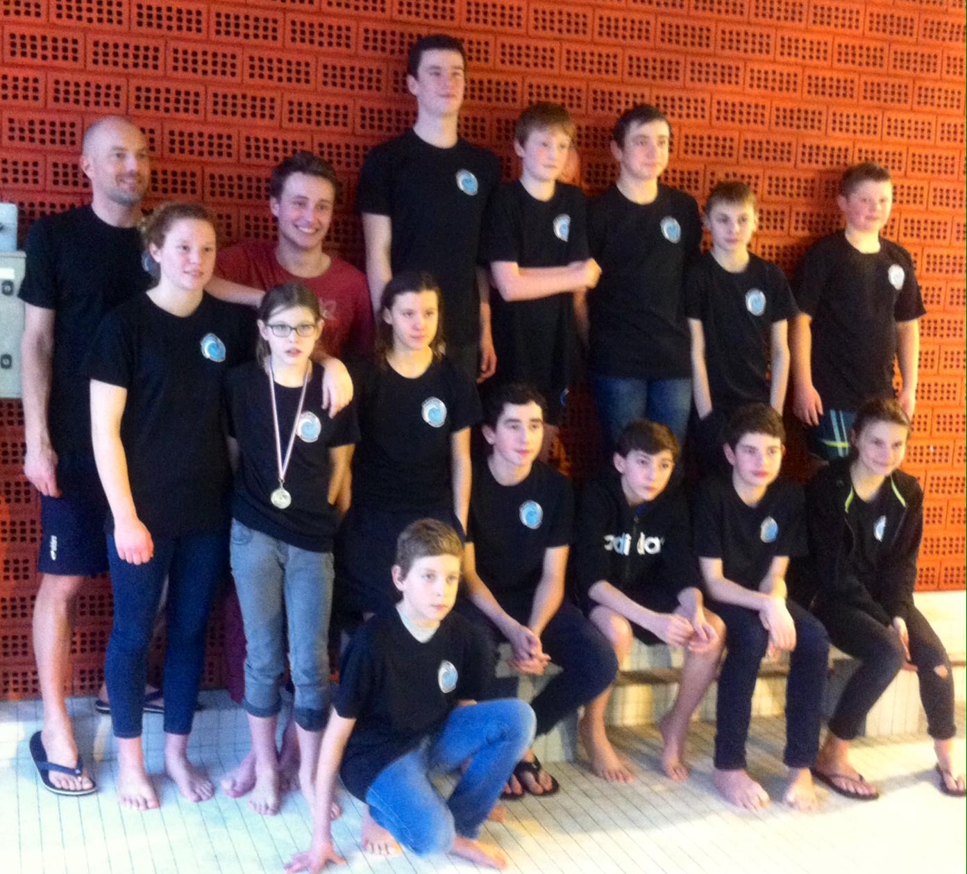 Vannes 1 re etape du natatathlon jeunes ploemeur for Piscine kercado
